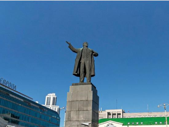 Общественник подал в суд на настоятеля екатеринбургского храма из-за Ленина и Гитлера