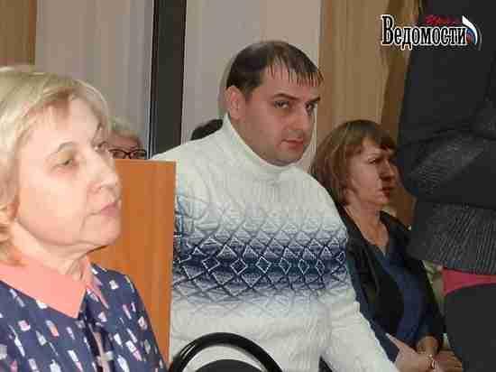 Среднеуральску вернули двух депутатов