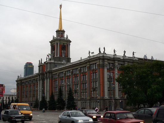 Свердловские народные избранники решат судьбу главы города Екатеринбурга вполдень